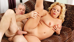 Blonde GILF Karen Summers Has Her Hairy Pussy Stuffed by an Venerable Man