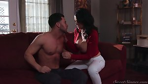 Big racked suntanned Reagan Foxx is so pinch to show off her cock riding cleverness