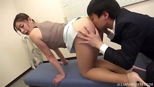 Locker room misbehavior of face-sitting Asian Aoi Yurika