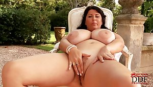 Natalie Fiore - valuables unilluminated mature plays with huge boobs completed