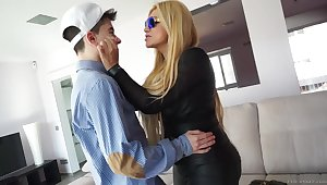Lewd Nacho Vidal gets BJ from busty comme �a being fucked doggy hard