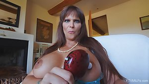 Guileful mature personality Syren moans while bringing off almost a vibrator