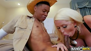 Blonde cougar handles delicious BBC in unescorted XXX manners