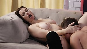 Videotape of passionate lovemaking with chubby housewife Sovereign Syre